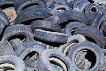 This company is the largest manufacture of rubber tires in the world, making over 381 million of them. Who is it?